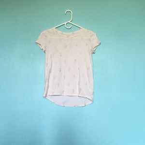 Old Navy Shirts & Tops - 💫Old navy airy tee💫